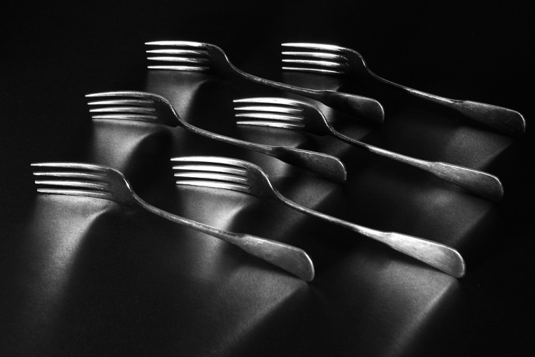 4160965157_9f649d352f_b_hand-fork